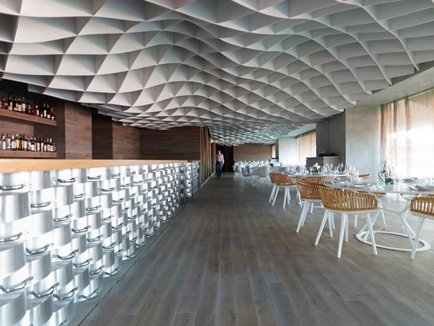 Diseño paramétrico aplicado en interiorismo en V´ammos restaurant