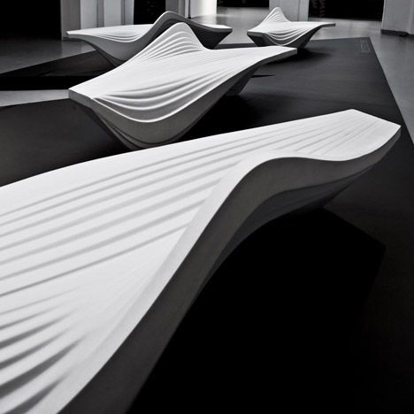 Banco Serac Bench diseñado por Zaha Hadid